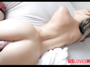 Sweet young blonde got pleased with morning hardcore fuck